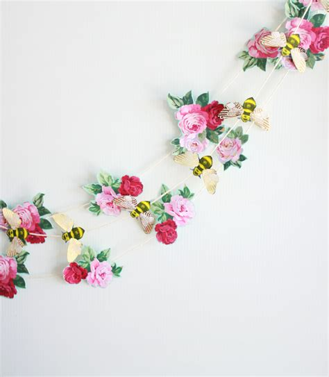 Garland With Paper Flowers - 12 bridal shower diy projects trueblu