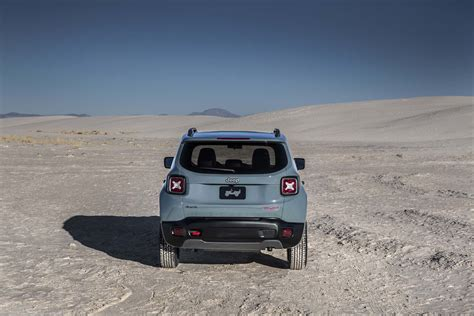 jeep trailhawk 2015 2015 jeep renegade trailhawk first test motor trend