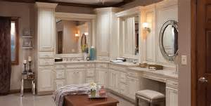 kitchen cabinets menards medallion at menards cabinets kitchen and bath cabinetry