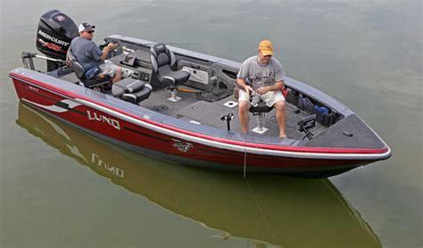 bimini top on tiller boat lund fiberglass tiller one awesome fishing machine