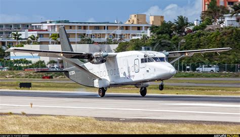 n733ch air cargo carriers 360 at sint maarten princess juliana intl photo id 647538