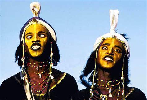 tradisi mencuri istri  ala suku wodaabe berbagi