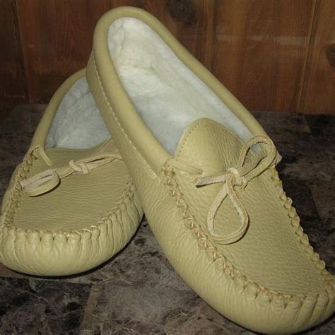 Handmade Moccasins Canada - 66 best images about moccasin slippers on warm