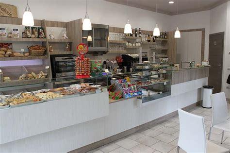 arredamenti negozio arredamenti per negozi scaffali per negozi pannelli