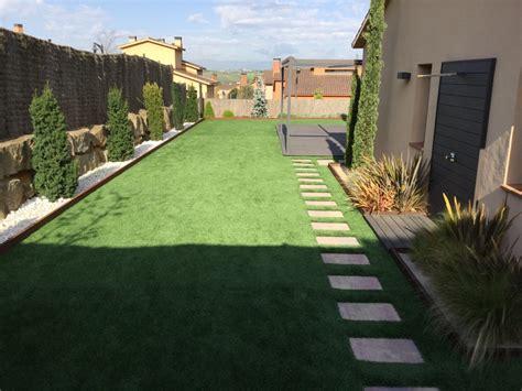 jardin con cesped cesped artificial ideas paisajistas