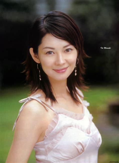 misaki ito facebook ito misaki japanese artist wallpaper photobook video