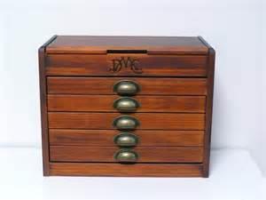 boite 224 couture dmc meuble vintage tout en bois avec