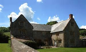 melbury square melbury bubb manor house 169 mike searle cc by sa 2 0 geograph britain and ireland