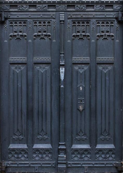 keyhole doorway 100 keyhole doorway up of keyhole on wooden