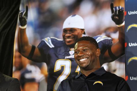 ladainian tomlinson bench press san diego new homes 360 luxury apartments apartments in