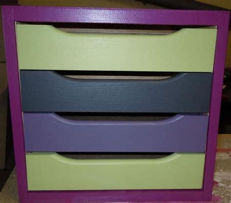 peinture sur meuble en bois avec 4 tiroirs color 233 s