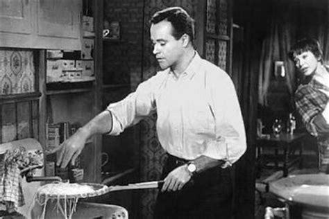 The Apartment Review 1960 The Apartment Review 1960 Lemmon Maclaine Qwipster S
