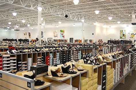discount shoe warehouse new large sized discount shoe retailer similar to dsw to