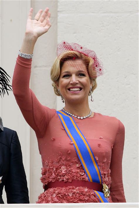 mía maestro husband dutch inauguration what will princess maxima wear photo