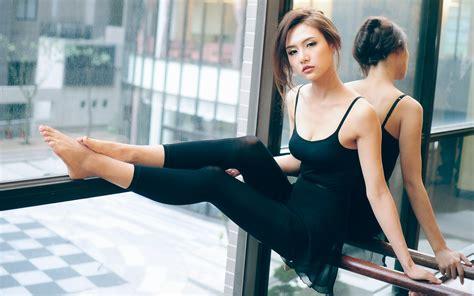 beautiful girl asian dancer wallpaper 1680x1050 18580