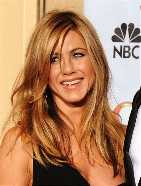 Aniston Friends Hairstyles by Pictures Of Aniston Wavy Hairstyle