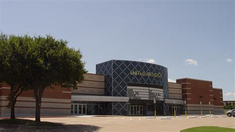grand prairie theater   redeveloped  retail space