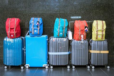 cose da non portare in aereo cosa mettere nel bagaglio a mano quando si viaggia in aereo