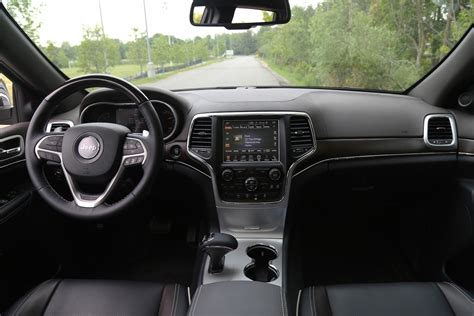 jeep grand cherokee dashboard review 2015 jeep grand cherokee ecodiesel canadian auto