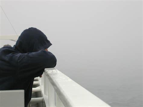 imagenes tristes de hombres solos banco de imagenes y fotos gratis im 225 genes y fotos de
