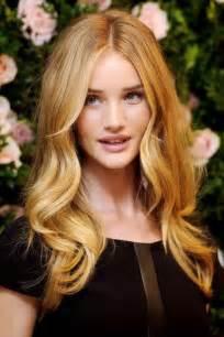 rosie huntington whiteley hair color rosie huntington whiteley hair