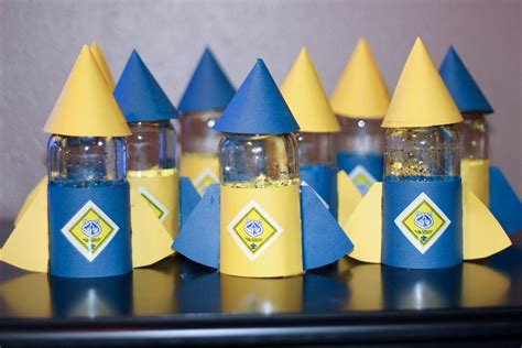 themes for blue and gold banquet cub scouts blue gold scout ideas craft tales cubscouts