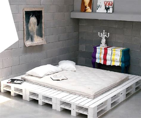 Shipping Pallet Bed Diy Pallet Furniture Pallet Furniture Collection