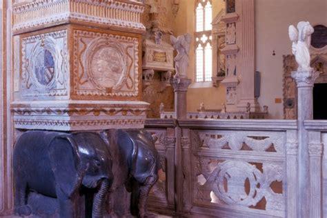 tempio malatestiano interno basilica cattedrale tempio malatestiano riviera di rimini