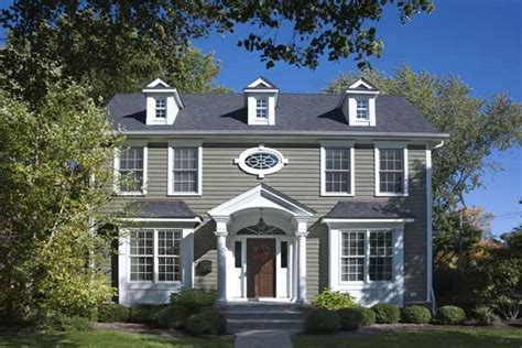 exterior paint colors for wooden houses