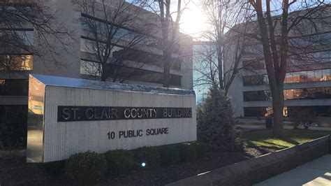 St Clair County Il Court Records Illinois Budget Fight Goes Back To Court S Peoria Radio