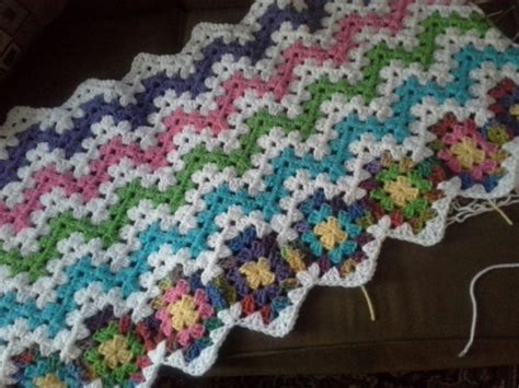 free pattern granny ripple afghan candy stripe granny ripple afghan the sparkly toad
