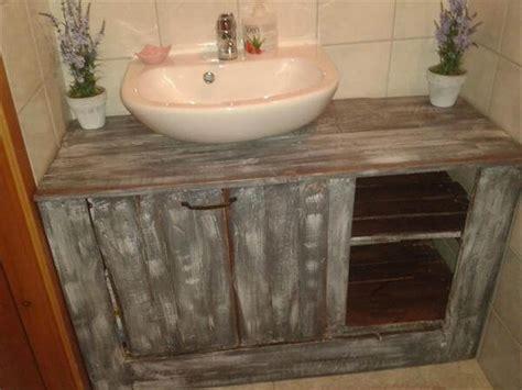 Pallet Bathroom Vanity 16 Inspired Pallet Furniture Ideas 99 Pallets