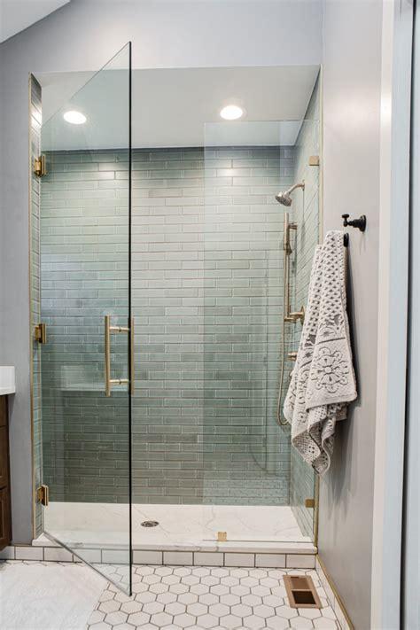 hexagon floor tile bathroom  classic white fireclay tile