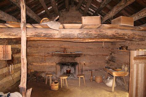 log cabin homes interior file conner prairie log cabin interior jpg wikimedia commons