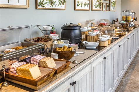 7 ways to make the most of your hotel s breakfast buffet
