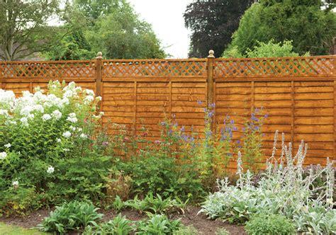 Fix Garden by How To Spot Damage And Fix Broken Fence Panels Green Garden