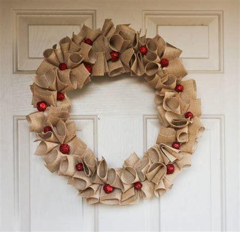 How To Make Handmade Wreaths - diy wreaths 9 charming burlap wreaths
