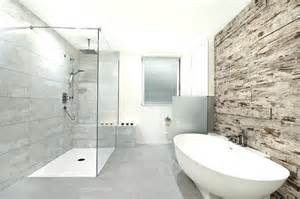 fliesen möller berlin begehbare dusche mit sitzbank selber bauen duschsitz btb