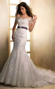 pretty photos of lace wedding dresses with off the