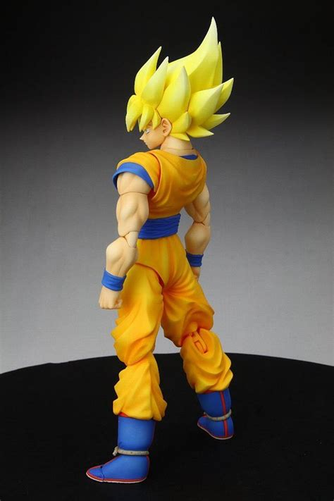 bandai tamashii nations super saiyan son goku dragonball