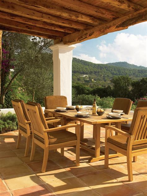 best outdoor patios 55 patio bars outdoor dining rooms hgtv