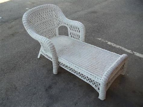 white wicker chaise lounge chaise lounge white wicker victorian psw