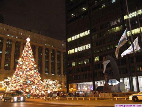 Chicago Tree Lighting Ceremony With Photo Via Planet99 Tree Lighting Chicago