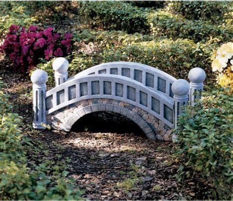 Small Garden Bridge   18 small and beautiful fairy tale garden bridges