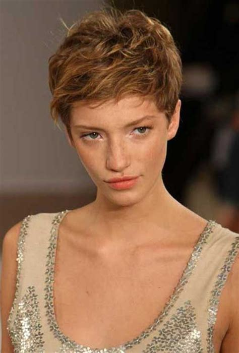 older women inspiration about pixie cuts korte kapsels 25 super pixie haircuts for wavy hair short hairstyles