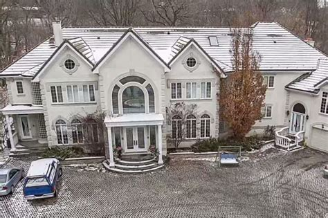 auction house apologizes to don cherry mansion