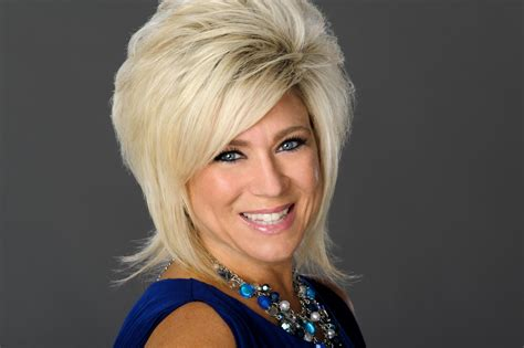 theresa caputo hair cut quot long island medium quot theresa caputo quot you can t put a