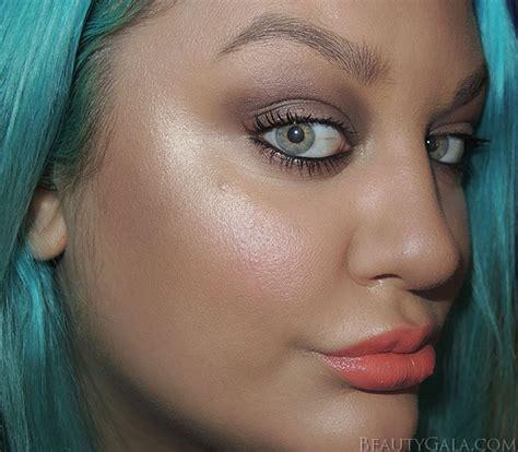 Light Skin Honey Laura Geller Baked Gelato Swirl Illuminator In Gilded