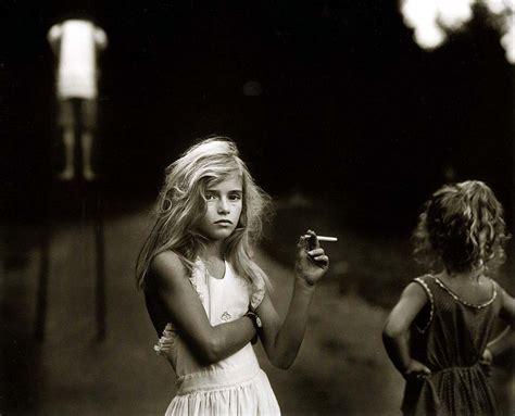 Little Girl Smoking | little girl smoking cigarette black white lowbird com