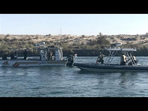 boat crash head on four missing after head on boat crash in colorado river